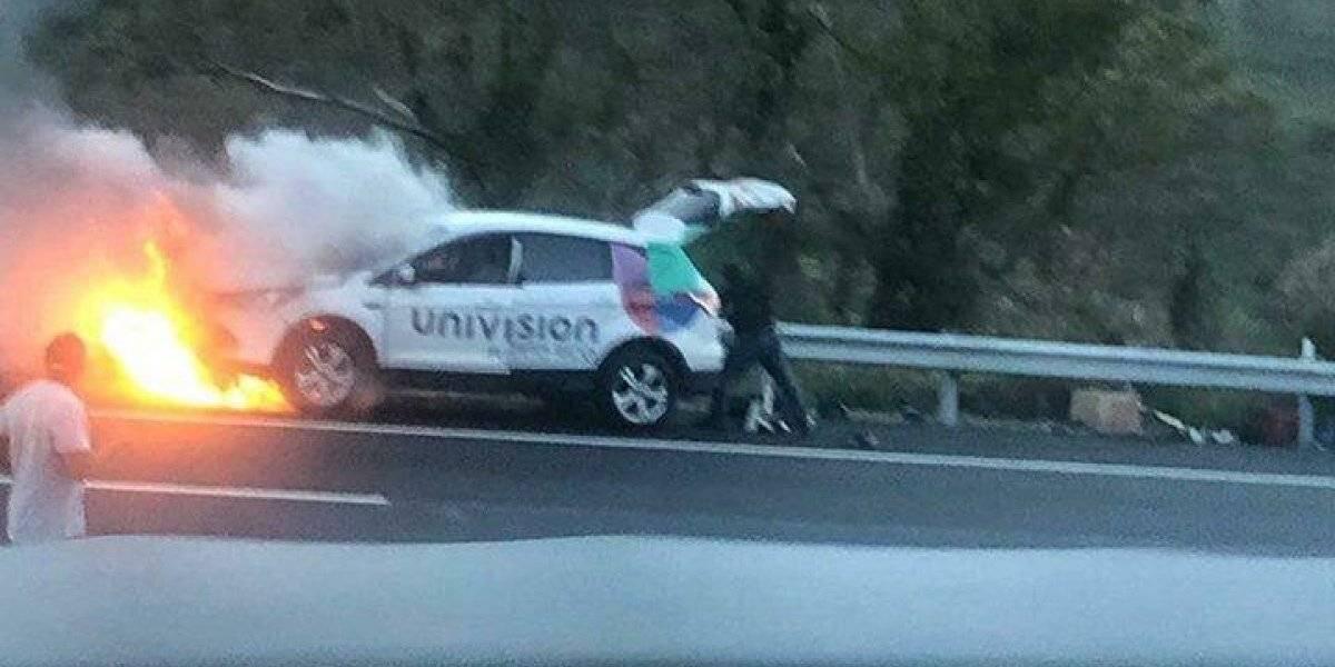 Se quema un carro de Univisión en Salinas