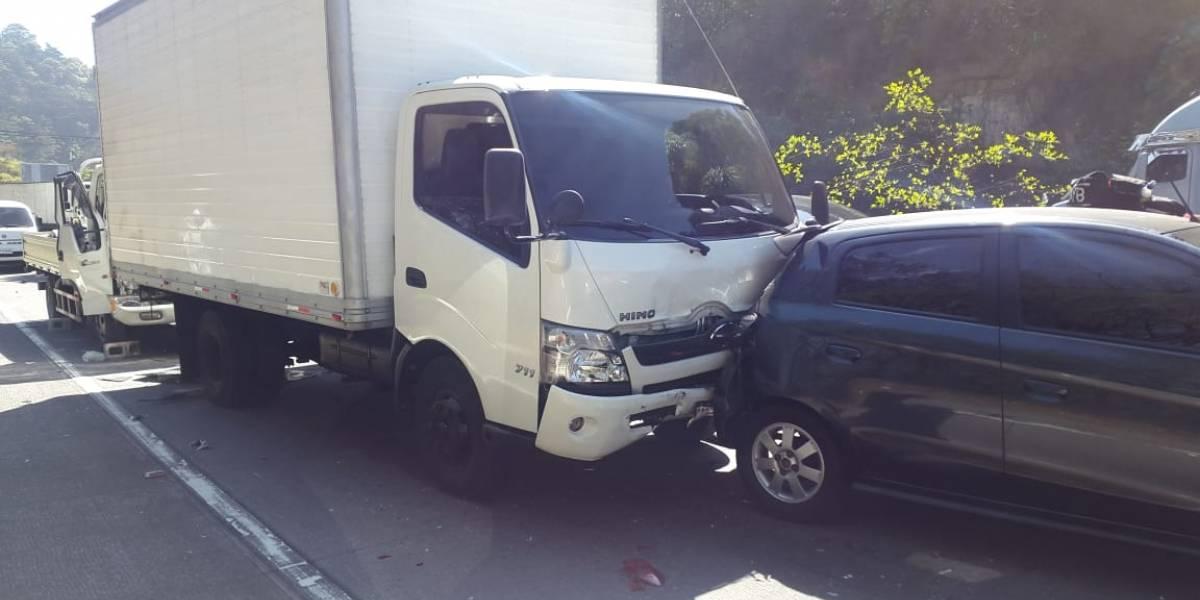 Bomberos reportan dos colisiones de vehículos en la ruta Interamericana