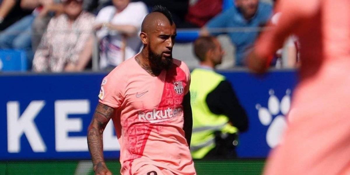 """""""Jefe"""", """"profesional"""", """"líder"""": Arturo Vidal tiene a sus pies a la cambiante prensa de Barcelona"""