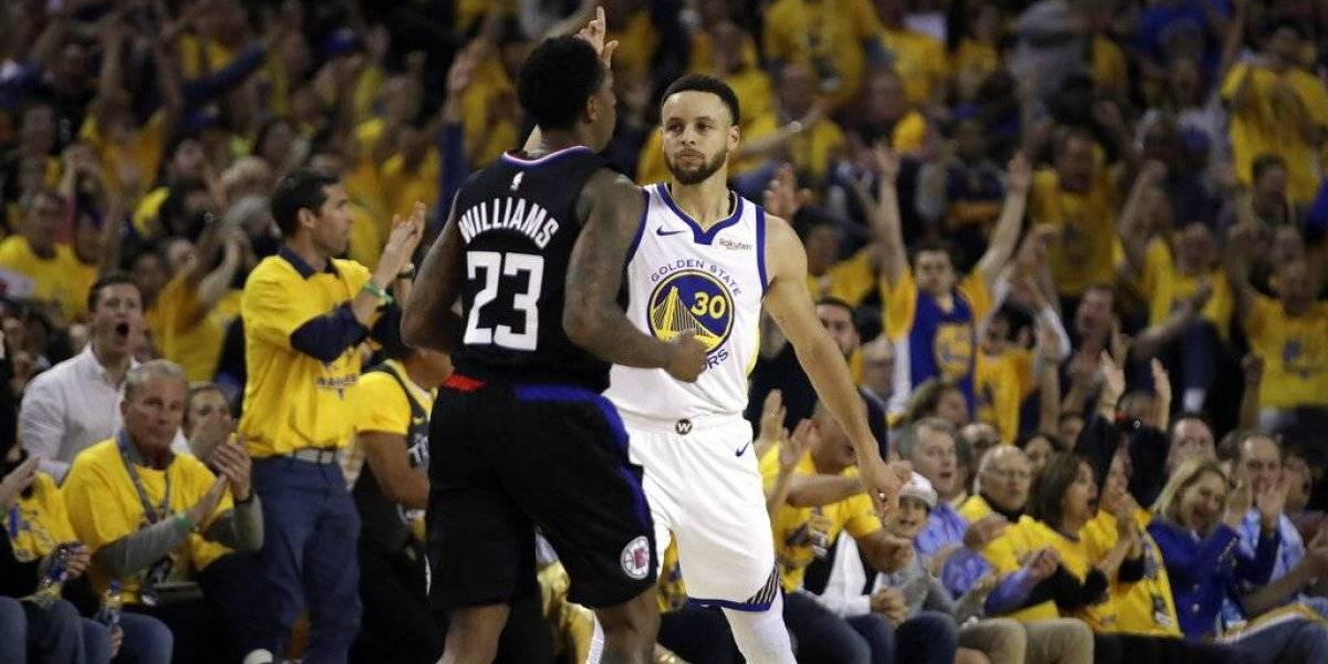 Curry rompe marca de playoffs