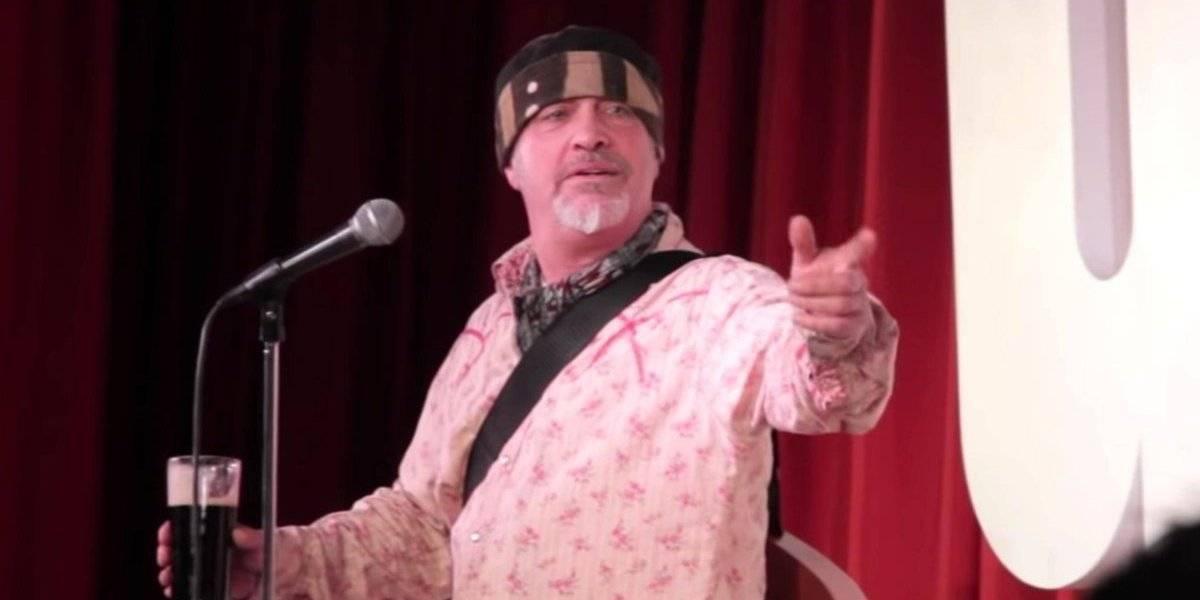 Comediante muere en escenario durante show