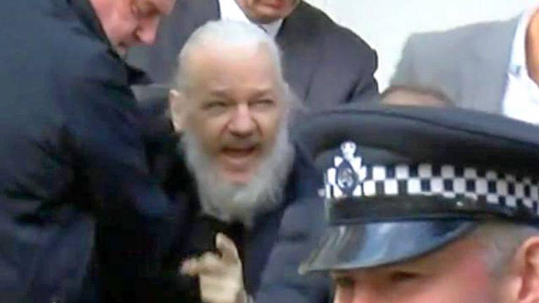 Ministro de Rusia cree que Julian Assange está sufriendo torturas en la cárcel
