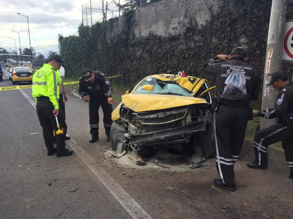 Una persona herida en estado crítico tras accidente en la Ruta Viva Metro Ecuador