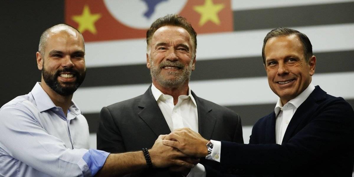 Arnold Schwarzenegger se encontra com Doria e Covas em São Paulo