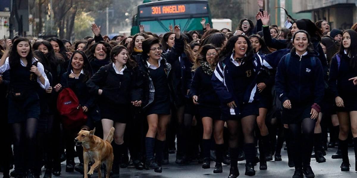 Secundarios se unen a marcha de Confech del 25 de abril y anuncian movilizaciones en todo Chile