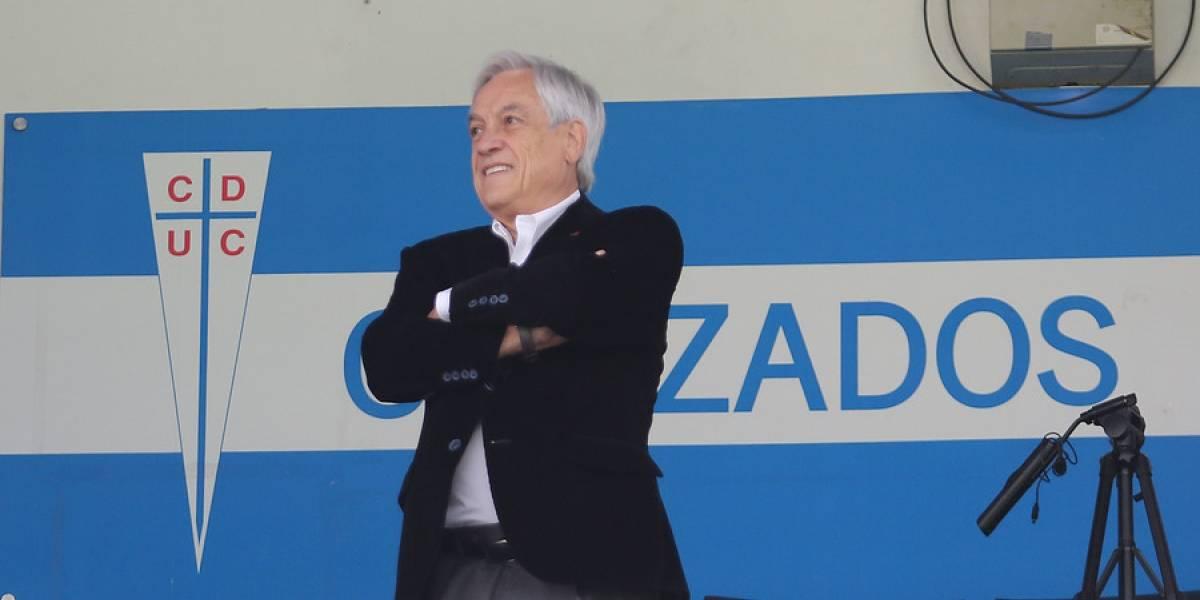Presidente Piñera fue a San Carlos y celebró el triunfo de la UC ante la U en el clásico