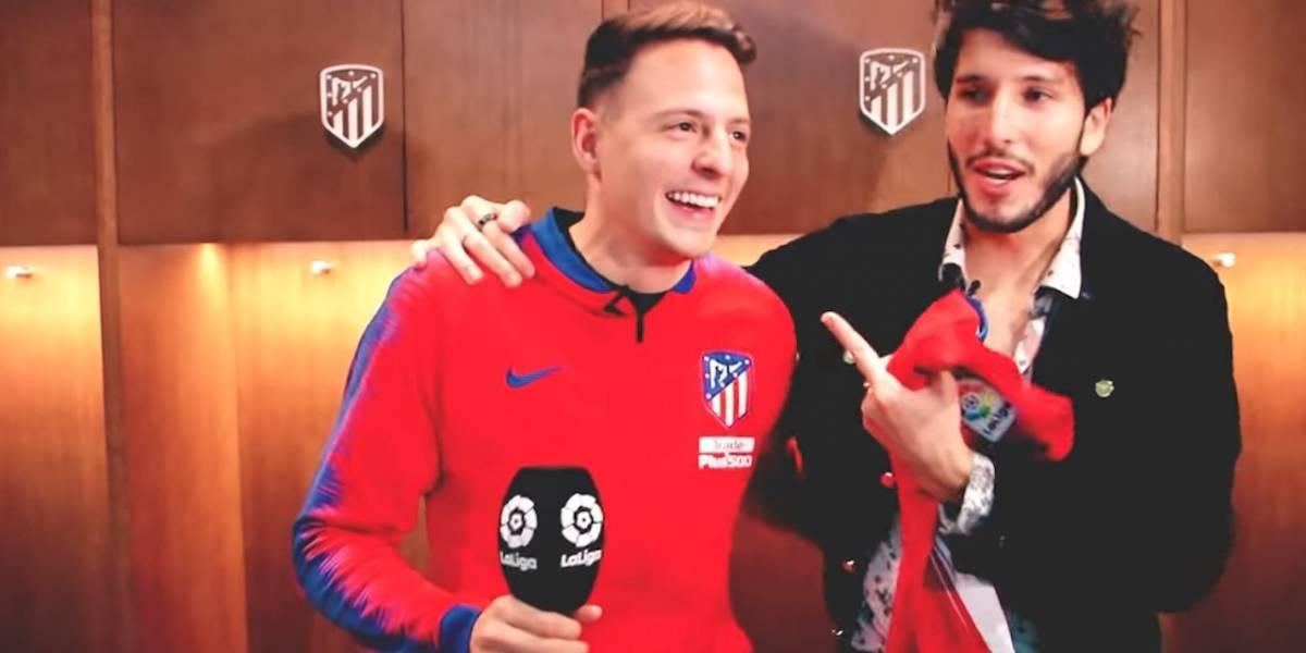 ¡Como cantante, es buen futbolista! Así le fue a Santiago Arias cantando junto a Sebastián Yatra