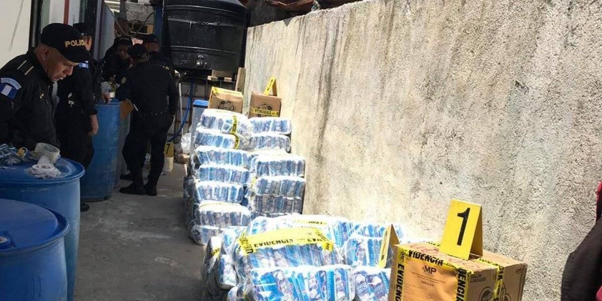 Allanan vivienda en Mixco donde hacían cloro ilegal