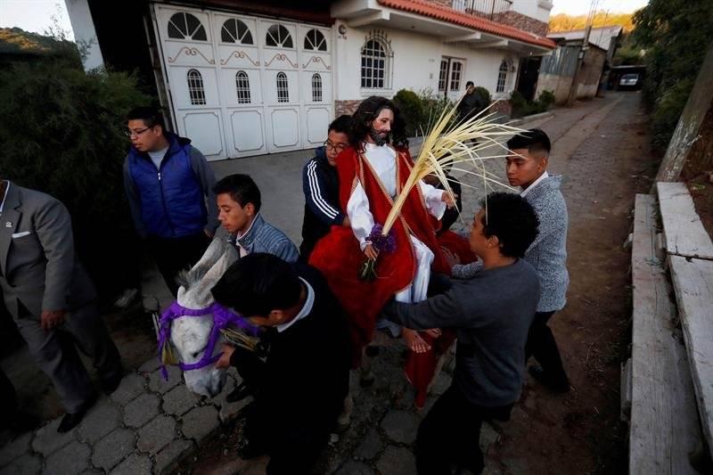 Procesión de La Borriquita en San Pedro Sacatepéquez