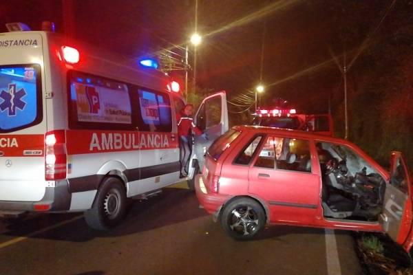 Vehículo atropelló a varias personas en horas de la madrugada en Amaguaña