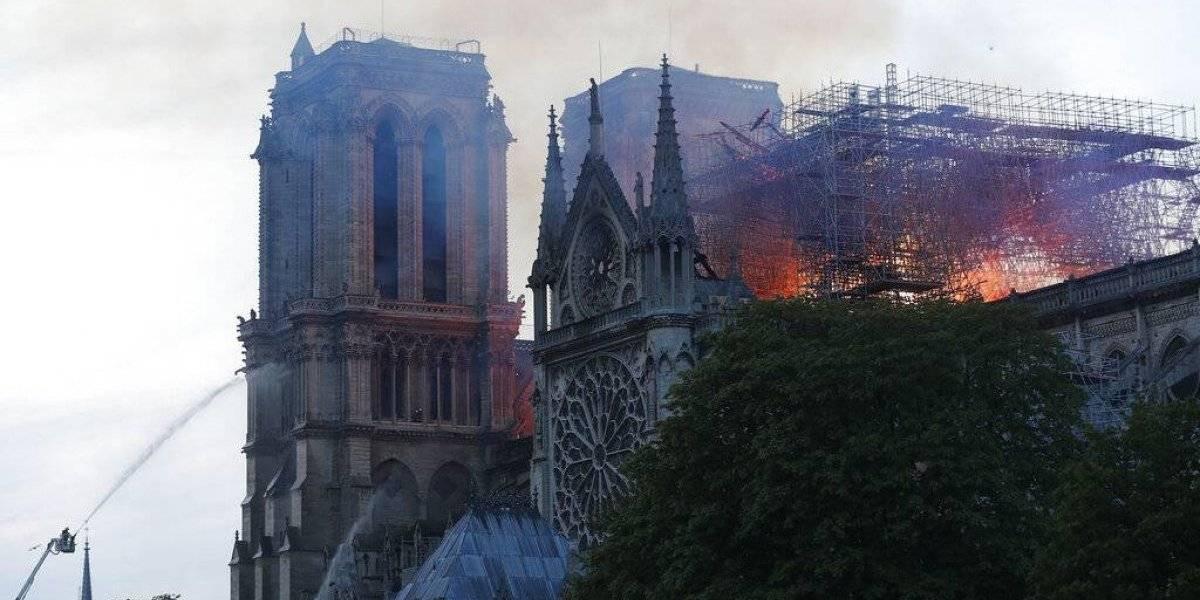 Estructura de la catedral de Notre Dame está a salvo, confirma Macron