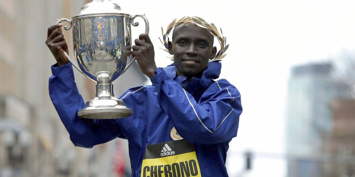 Keniano Cherono gana Maratón de Boston en final electrizante