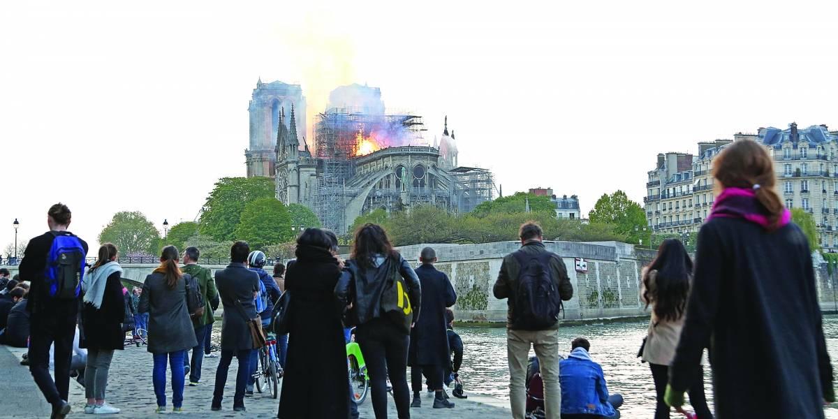 Triste tarde a los pies de Notre Dame
