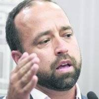 Un escollo la duplicidad de funciones para la confirmación de Omar Marrero como secretario de Estado