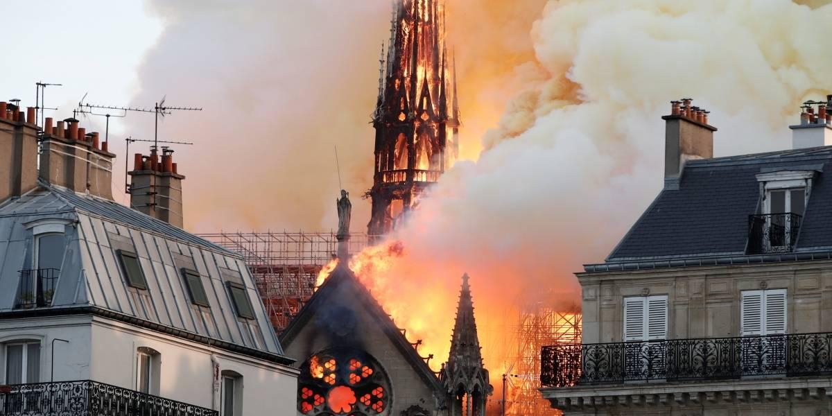 Bombeiros afirmam ter impedido a destruição total da Catedral de Notre-Dame; missão agora é salvar obras de arte