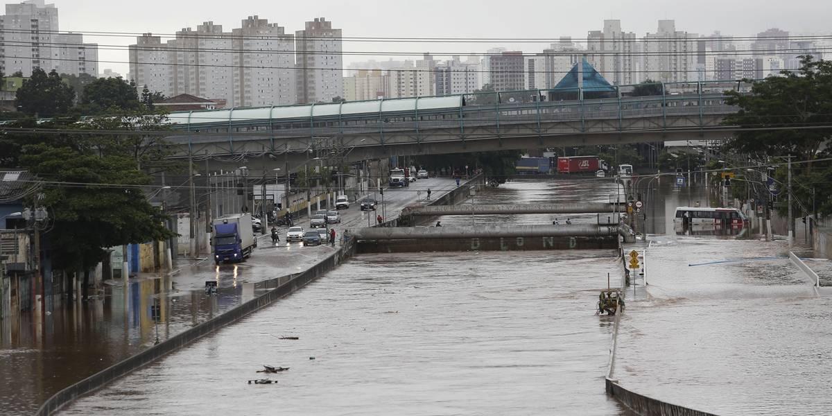 Chuvas matam 310% a mais entre dezembro e abril em São Paulo