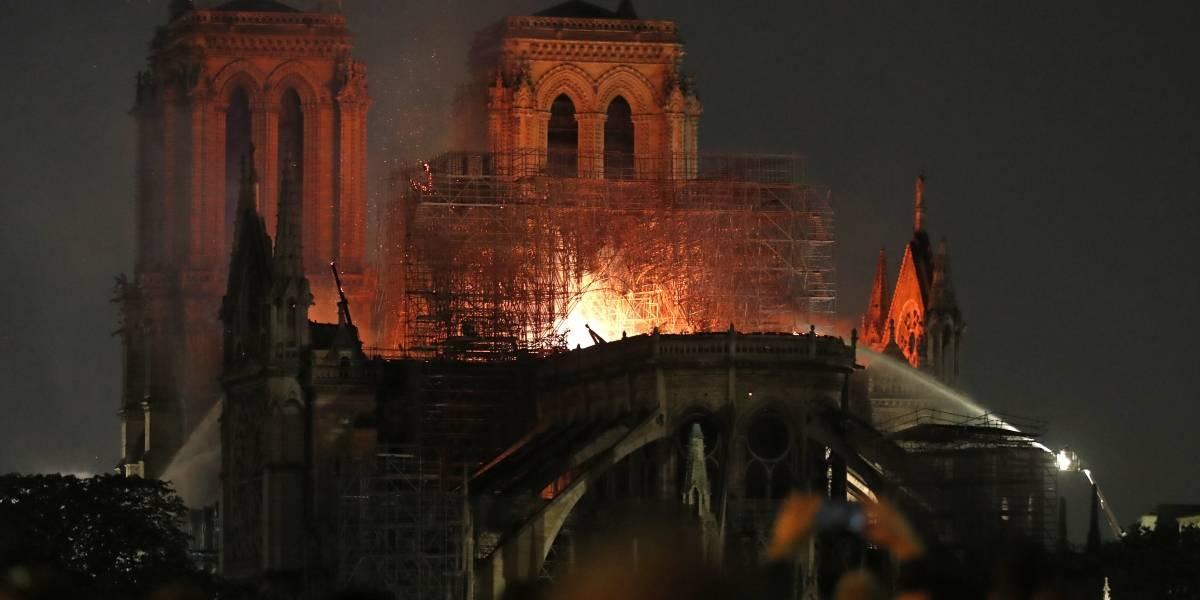 FOTOS: Así se consume por el fuego la catedral de Notre Dame en París