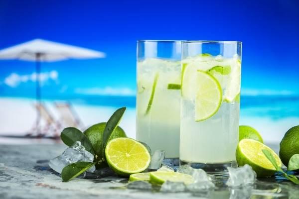 Jugo de limon y pina para adelgazar