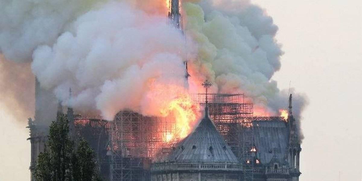 Fiscalía de París abre investigación por incendio en catedral de Notre Dame