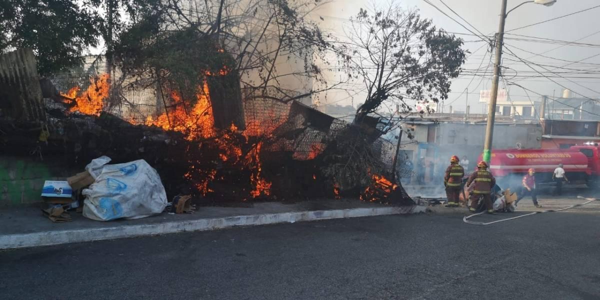 Se incendia vivienda donde se almacenaban materiales reciclables