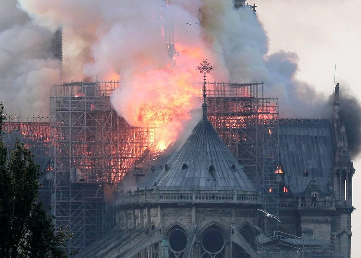 Incendio en la catedral de Notre Dame EFE
