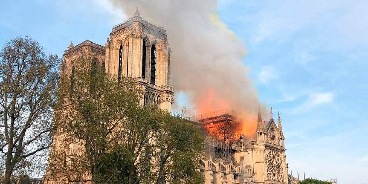 Incendio de grandes proporciones en la catedral de Notre Dame
