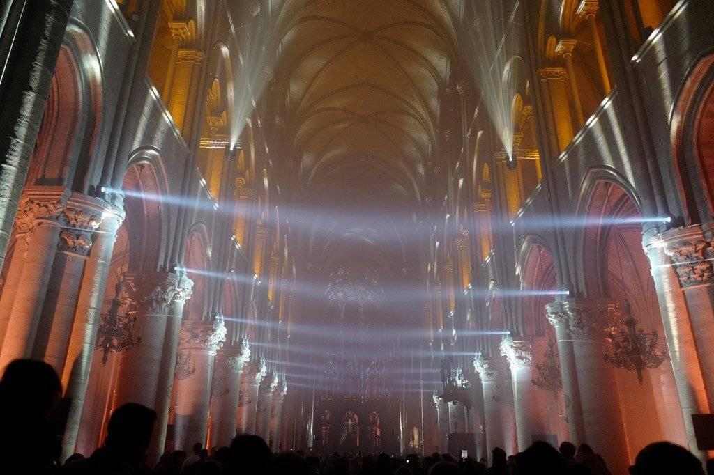 Interior de la catedral de Notre Dame, en París