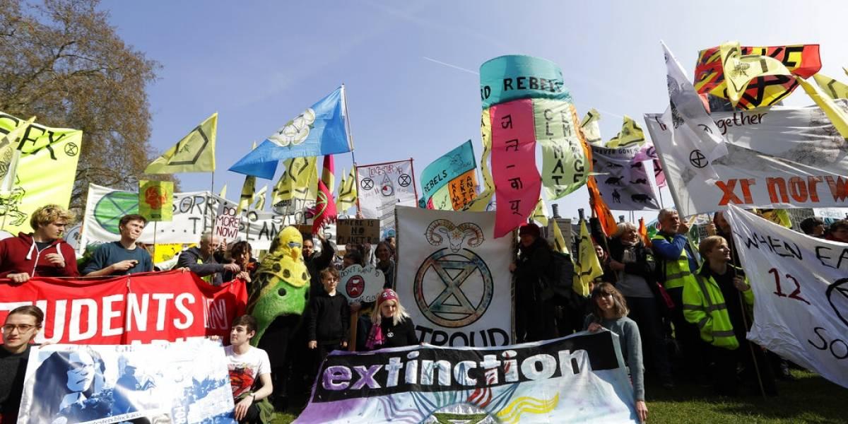 """Quiénes son los Extinction Rebellion, el movimiento internacional que reclama un """"estado de emergencia ecológica"""""""