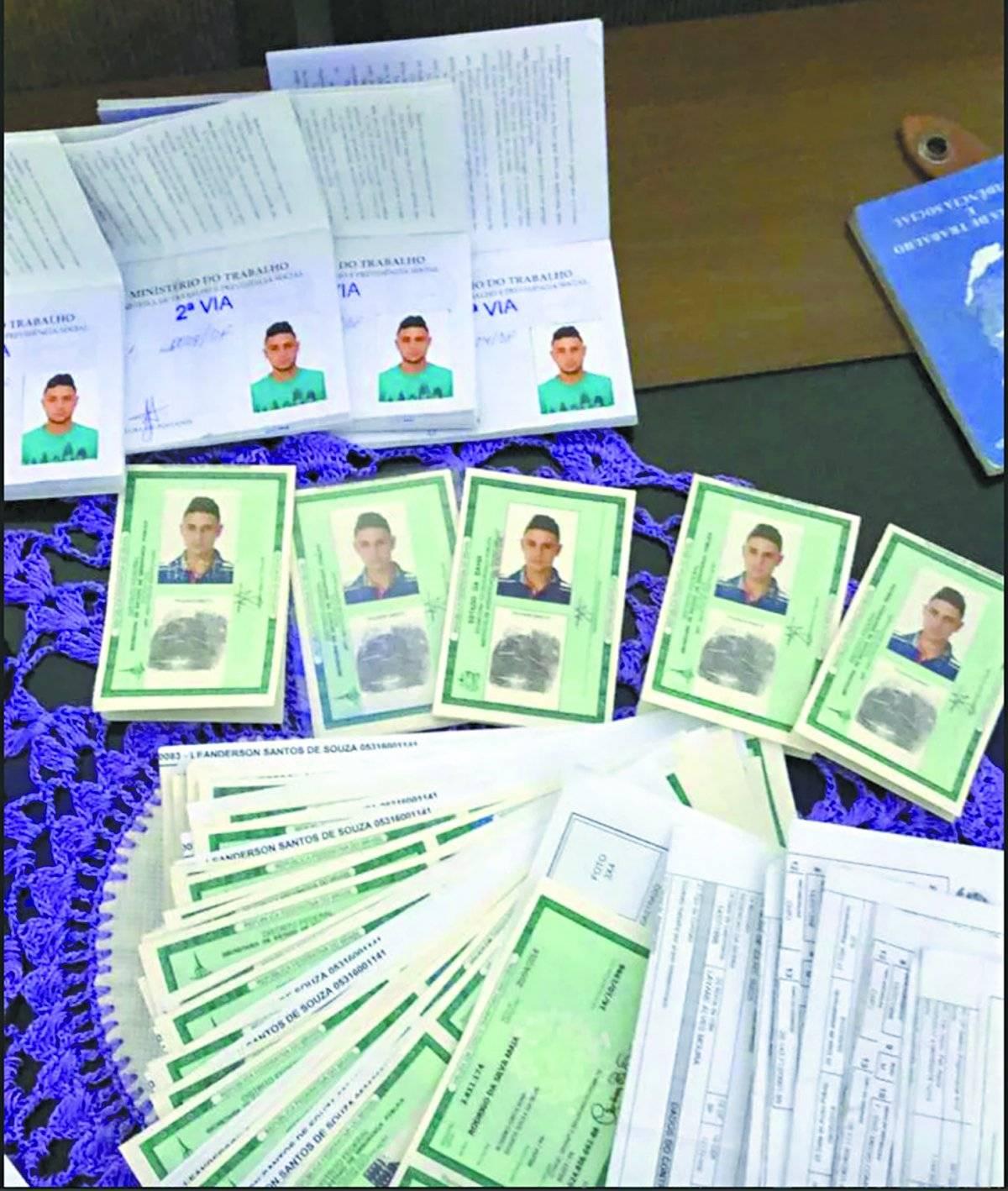 falsificação documentos