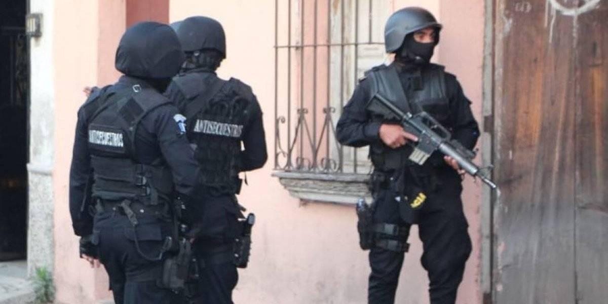 Capturan a presuntos integrantes de grupos de extorsión y sicariato