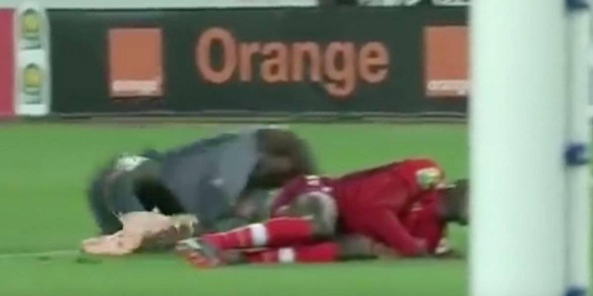 Sencillamente terrible: Portero se fracturó ambas piernas en partido de la Liga de Campeones de África