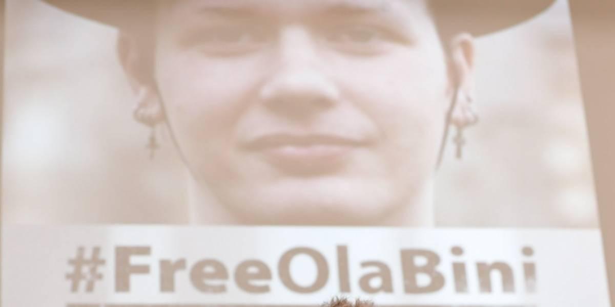 Padres de Ola Bini, amigo de Julian Assange, denuncian ilegalidad en arresto en Ecuador