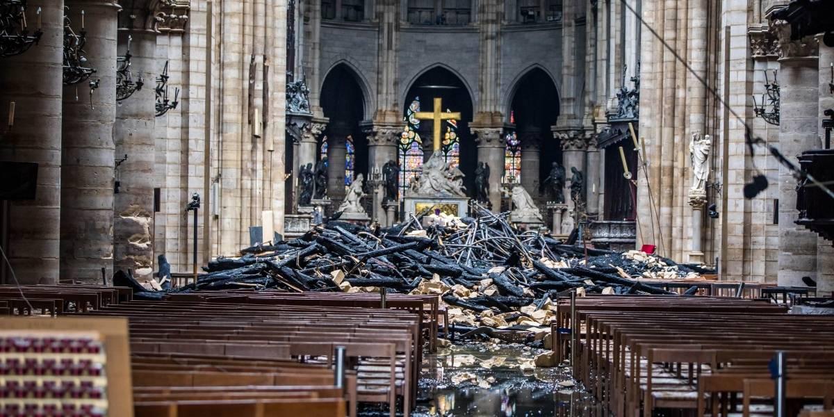 La razón por la que se salvó la cruz del incendio en catedral de Notre Dame