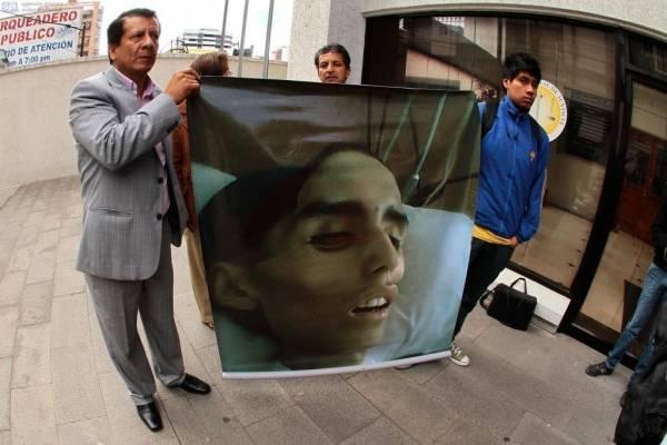 Rafael Correa reacciona ante la muerte de Édison Cosíos, estudiante del Mejía