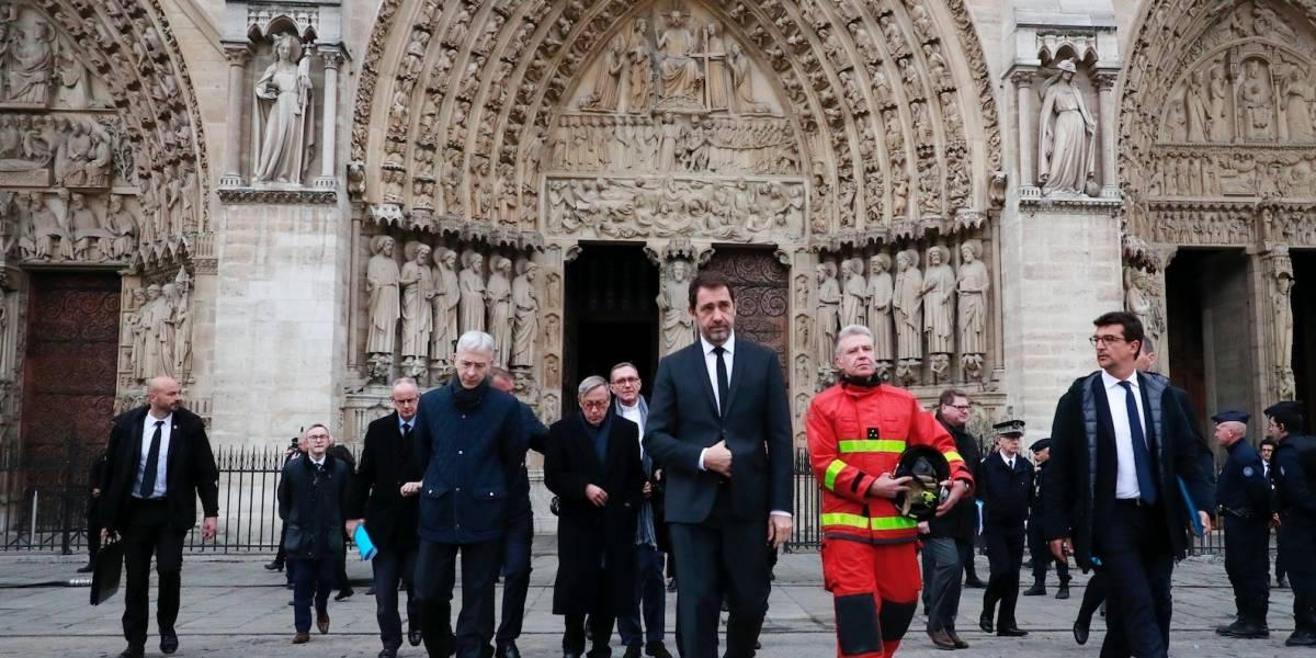 """Macron: """"Reconstruiremos a la Catedral de Notre Dame aún más hermosa"""""""