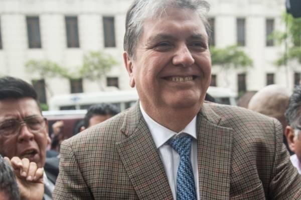 El expresidente de Perú, Alan García, se disparó en la cabeza al ser detenido