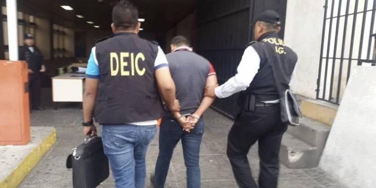 Capturan a cuatro policías señalados de ejecución extrajudicial
