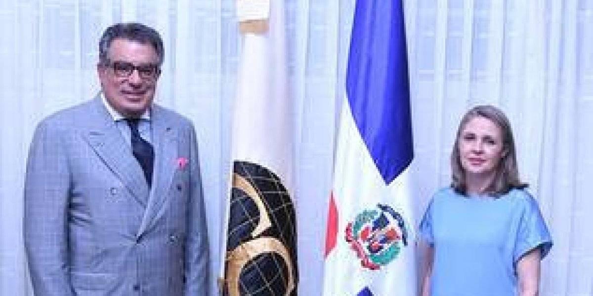 #TeVimosEn: Clara Reid de Frankenberg es nombrada decana del Cuerpo Consular