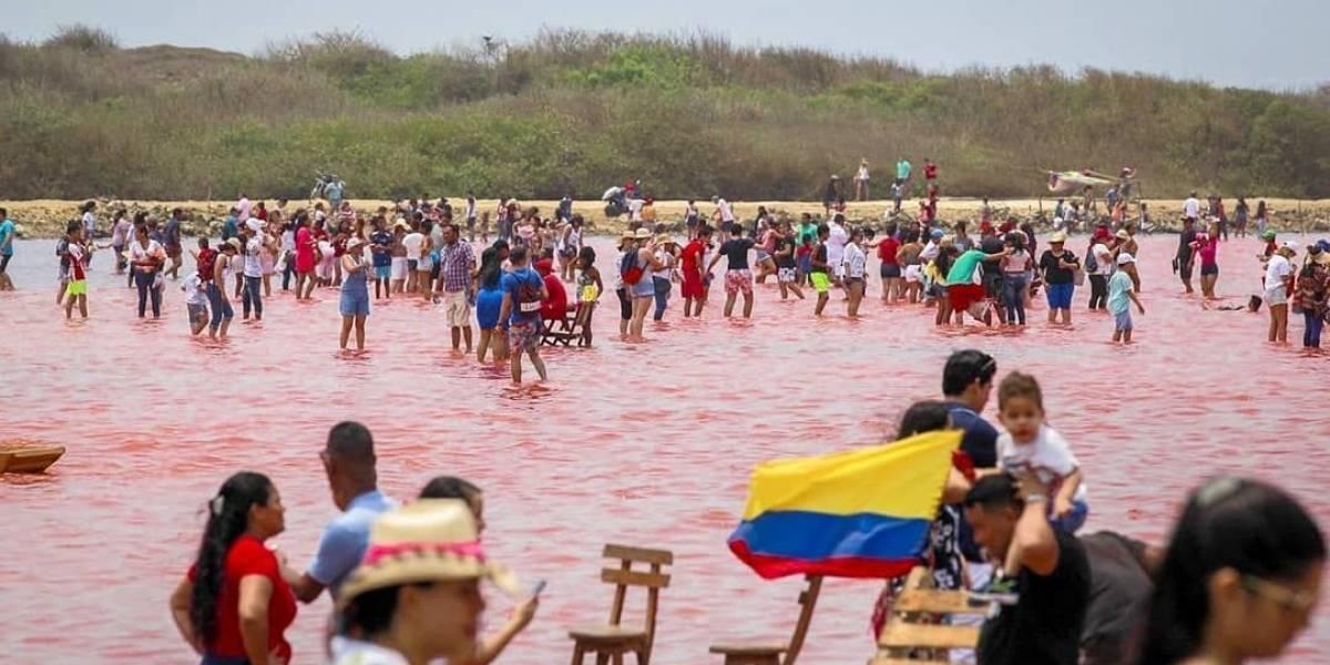 Con solo un mes desde su apertura, el mar rosado de Colombia ya está lleno de basura