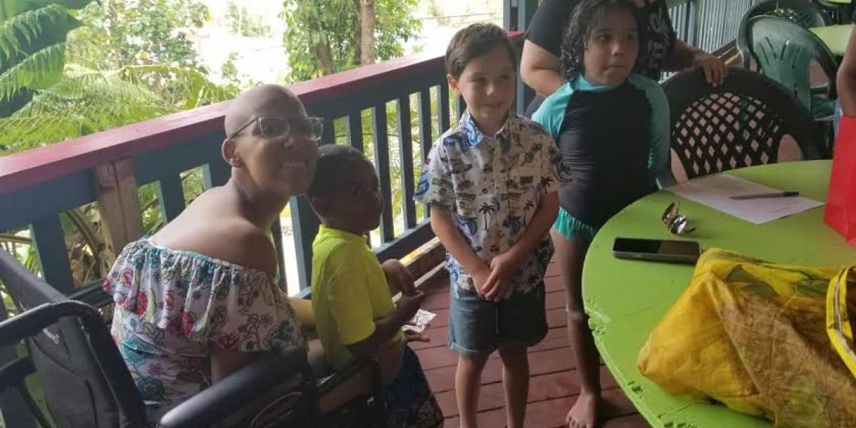 Niño utiliza sus ahorros para ayudar a pacientes con cáncer en Corozal
