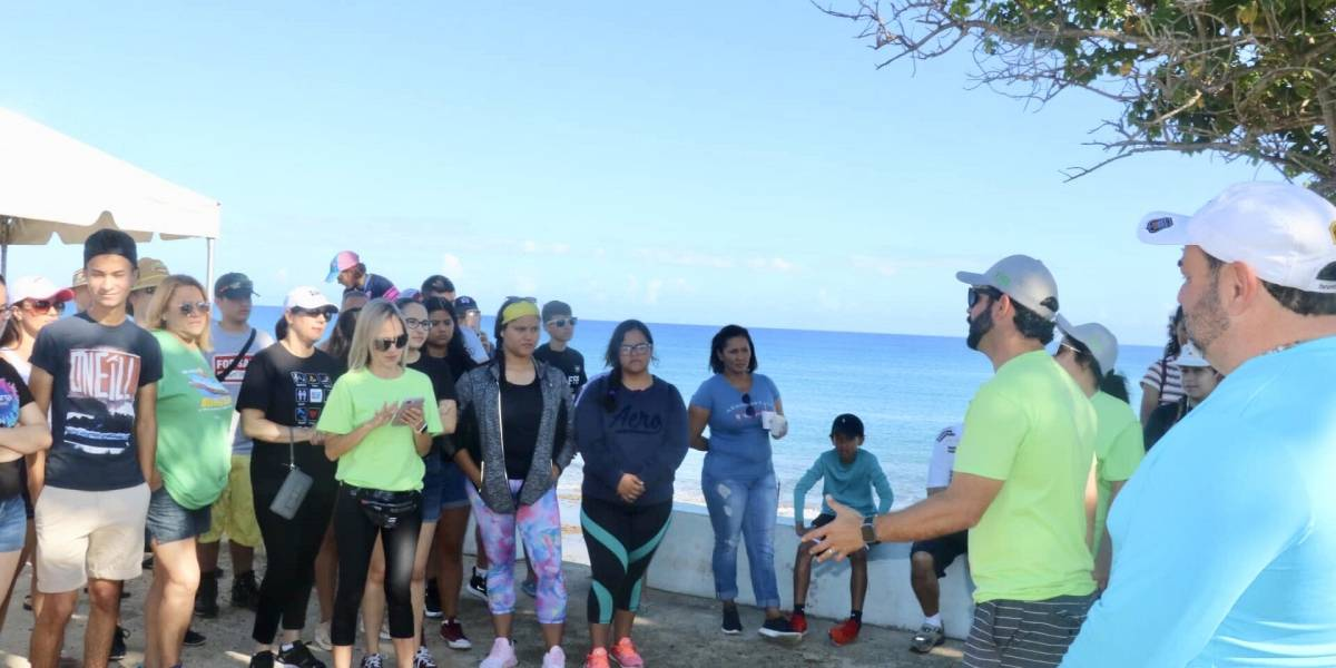 Realizan limpieza en playa de Aguada
