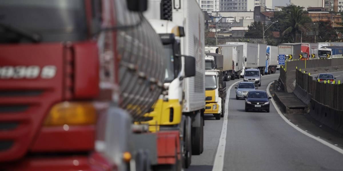 ANTT faz reajuste no piso mínimo da tabela do frete para coibir greve dos caminhoneiros