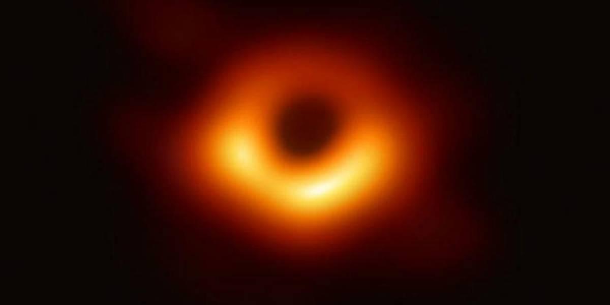 La millonaria suma que recibieron los responsables de la primera imagen de un agujero negro de la historia