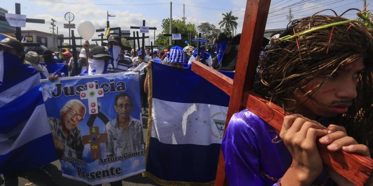 Usan procesiones del Viernes Santo para protestar en Nicaragua