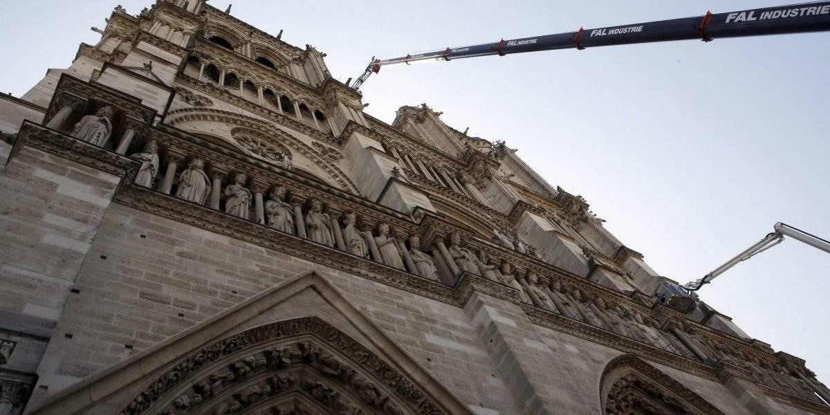 Retiran las obras de arte de la catedral de Notre Dame
