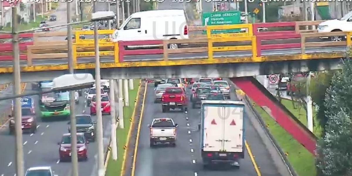 Accidente de tránsito en el puente 9 de la autopista General Rumiñahui