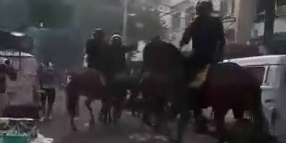 Torcedores do Vasco e Botafogo são presos por agressão a policiais e cavalos