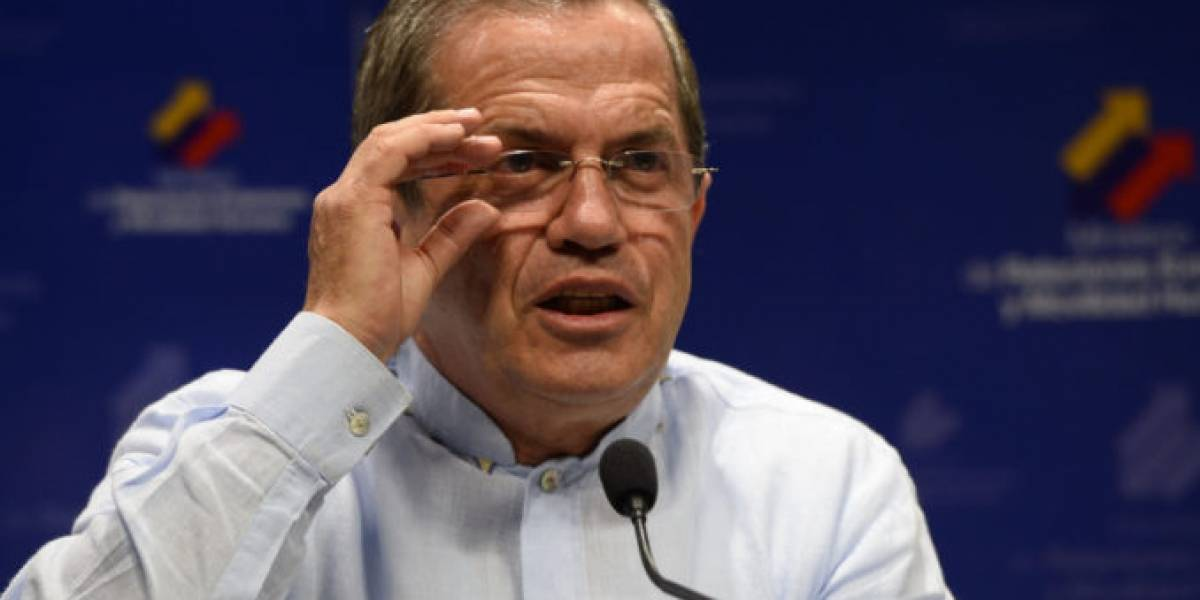 Ricardo Patiño, ex dirigente más cercano de Rafael Correa, se pronuncia tras salir de Ecuador