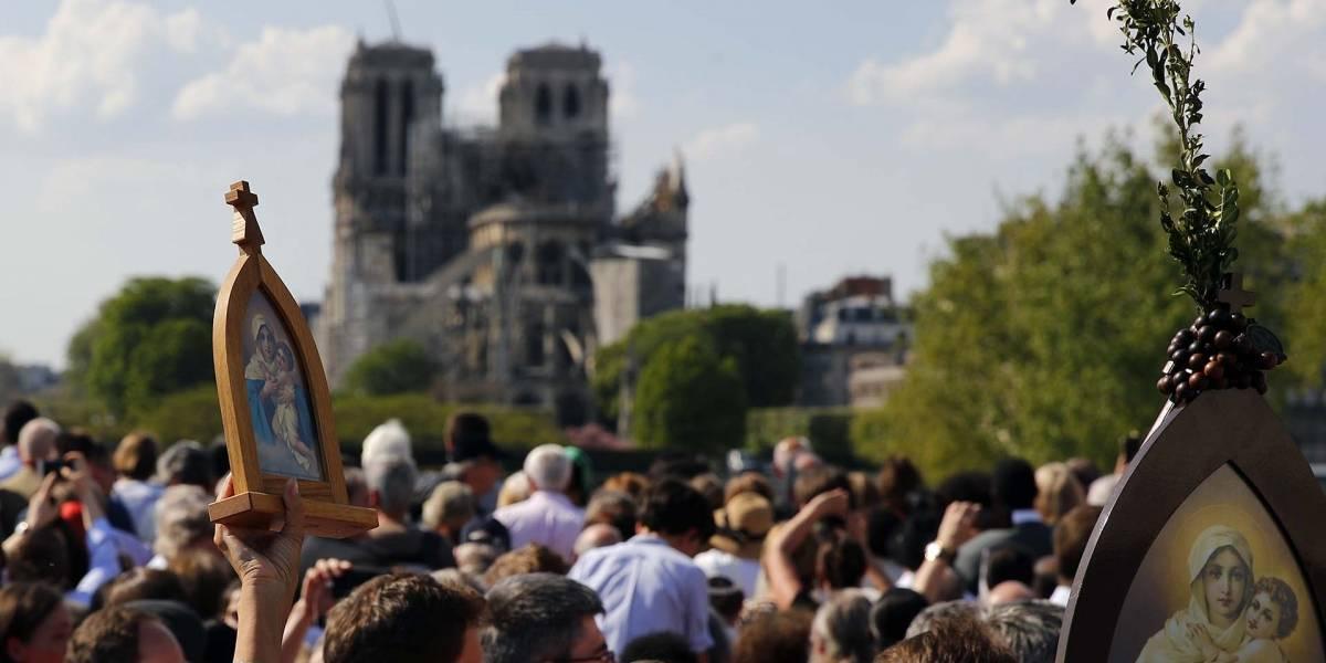 El Via Crucis más doloroso de los franceses: frente a las ruinas incendiadas de Notre Dame