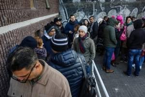 Gobierno establece fecha límite para regularización de extranjeros en Chile y anuncia que iniciará órdenes de expulsión